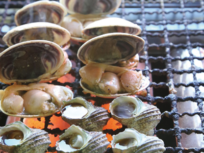 savory and juicy broiled shellfish